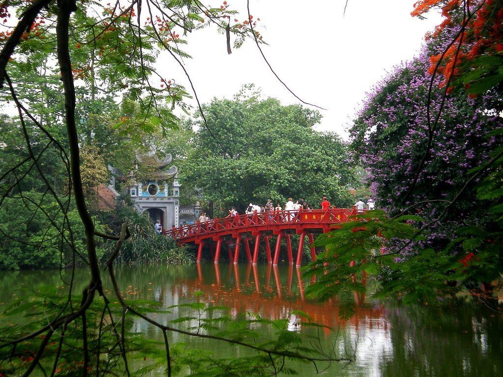 Cầu Thê Húc- Hồ Gươm Hà Nội